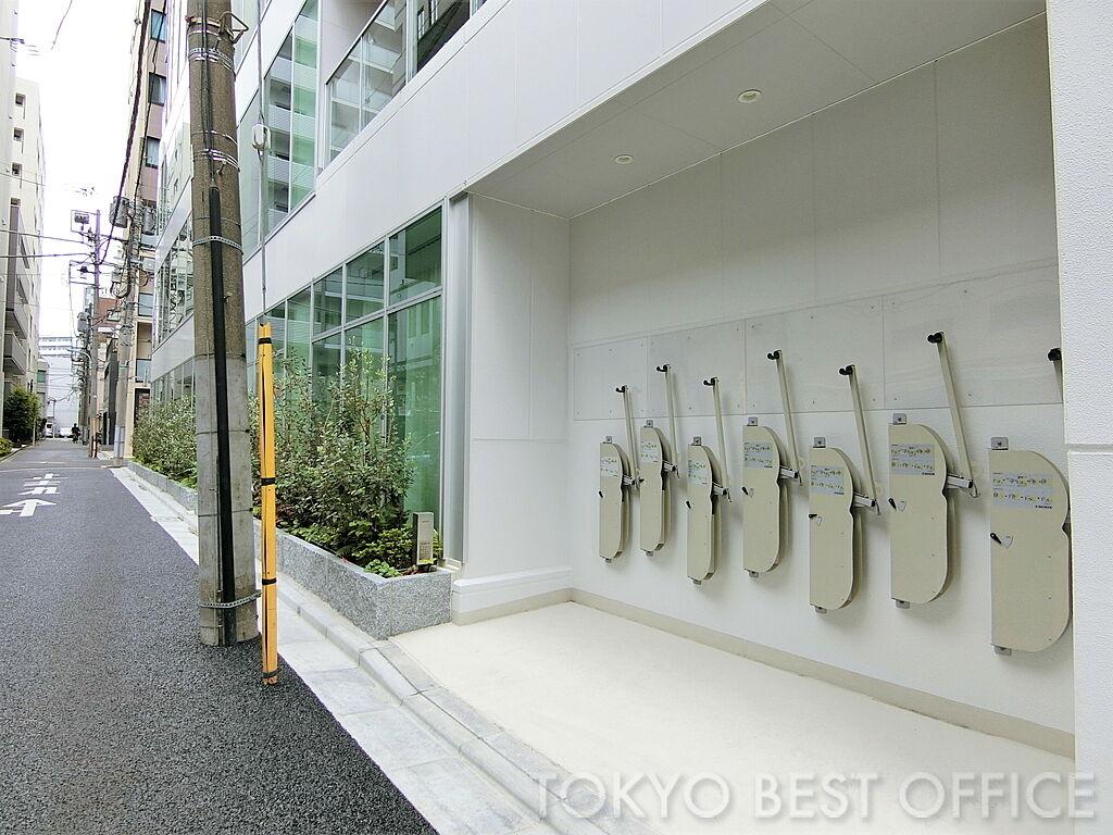 クロスシー東日本橋ビル/壁付け式自転車ラック「サイクルフック」
